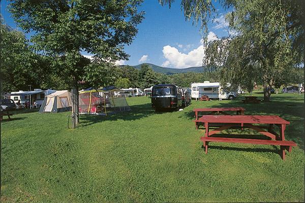 Campground - The Lantern Resort Campground & Motel - Jefferson, NH
